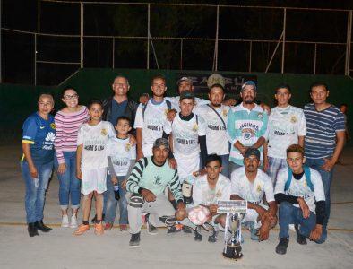 Concluye Liga de Futbol de Poanas; alcalde anuncia iluminación de cancha