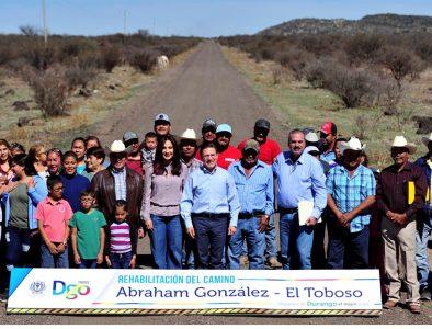 Rehabilitados más de mil 100 kilómetros de caminos rurales en Durango