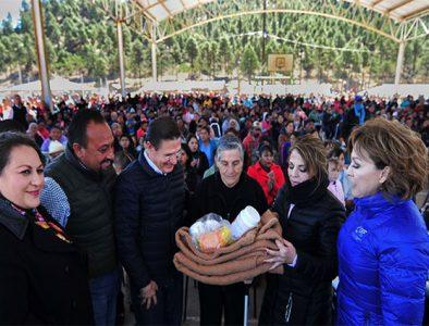 Entregan más de 3 mil apoyos invernales en La Rosilla