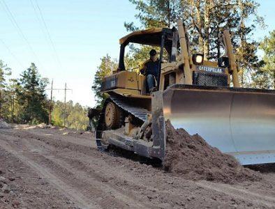 Rehabilitan caminos rurales en San Dimas