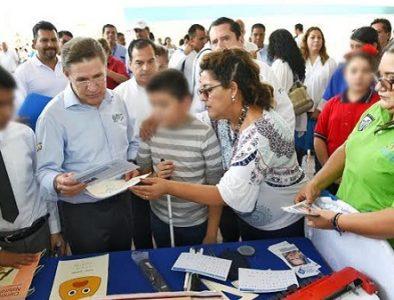 Continúa entrega de apoyos a OSC en La Laguna
