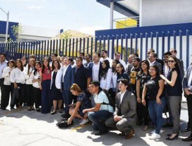 Más oferta educativa para laguneros: Aispuro Torres