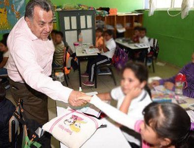 Recorre SEED escuelas de El Oro y San Bernardo