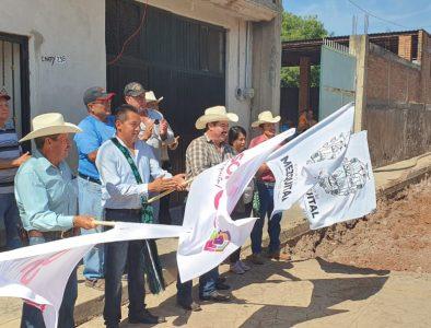Inicia Gobierno de Mezquital pavimentación en Huazamota