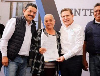 Entrega Gobernador 150 títulos de propiedad a familias de Nuevo Ideal