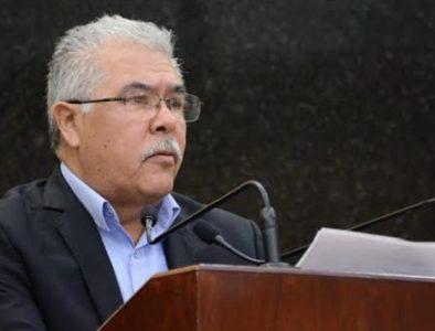 Diputado propone eliminar voto de calidad del Alcalde
