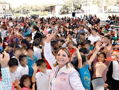 Niñas y niños felices con Operativo Navideño: DIF Estatal