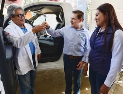 Entrega Gobernador ambulancia y 2 mil 700 apoyos en Topia