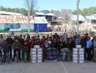 Entregan apoyos invernales en la comunidad La Plazuela