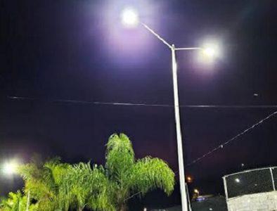 Se instala alumbrado público en Canelas
