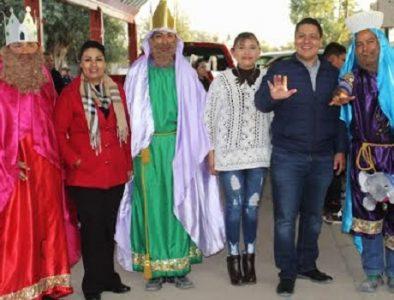 Gobierno de Vicente Guerrero visita comunidades para compartir la tradicional rosca de Reyes