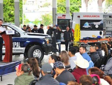 Entrega Gobernador ambulancia, patrulla y avances de laboratorio en Otáez