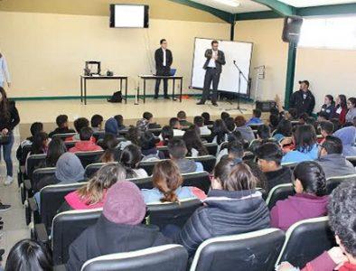 Instituto de la Juventud imparte pláticas y talleres a jóvenes de Nuevo Ideal