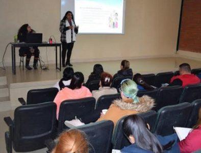 Imparten en Peñón Blanco la conferencia 'Violencia en la Familia'