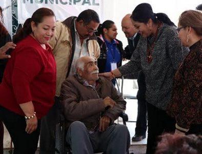 Entrega Luly Martínez aparatos ortopédicos a personas con discapacidad