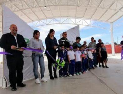 Luly Martínez entrega domo a familias de La Lagunilla
