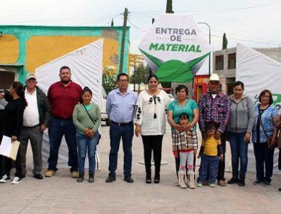 Con apoyo de 'Mariana Trinitaria', entregan tinacos y cisternas a familias de Cuencamé