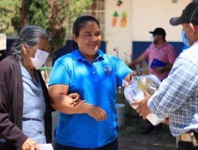 Entregan despensas del Programa Alimenticio a los habitantes de Nombre de Dios