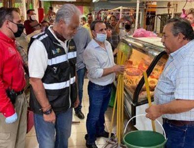 CEPC entrega 300 kits de limpieza y sanitización a comerciantes de Lerdo y Gómez Palacio