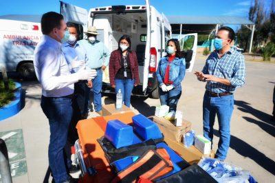 Entrega Aispuro ambulancia en San Juan del Río