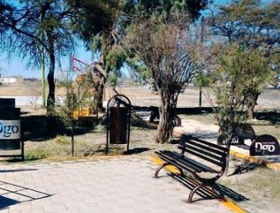 Rehabilita Secope plaza pública en Ceballos