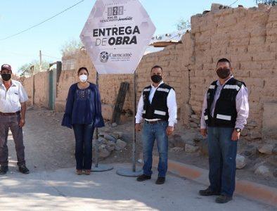 Entregan red de drenaje y tomas domiciliarias a familias de Velardeña y Cuatillos