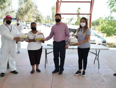 Peñón Blanco entrega más de 3 mil 200 paquetes alimentarios a beneficiarios de desayunos escolares