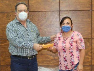 Agustín Sosa Ramírez se solidariza con habitantes de Ignacio Allende