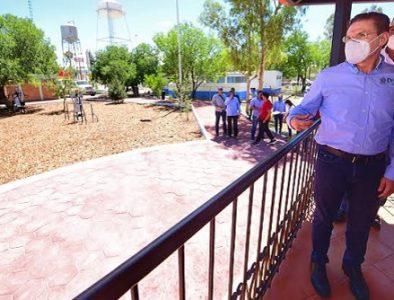 Gobernador entrega plaza pública en Guatimapé