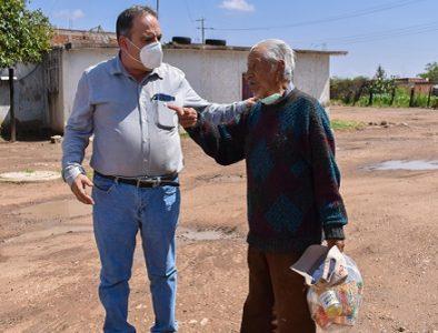Entregan apoyo alimentario a grupos vulnerables en Guadalupe Victoria
