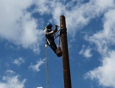 Insiste Mezquital ante CFE para mejorar servicio de energía en cabecera y comunidades