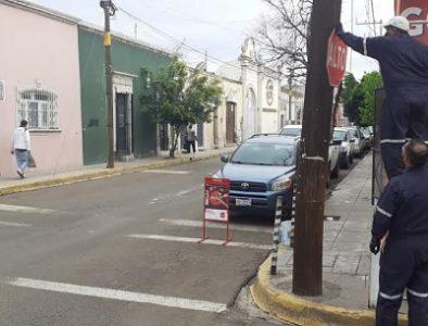 Con rehabilitación de señalética, Municipio previene accidentes