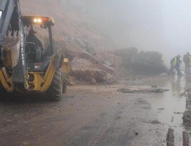 Atiende Gobierno de Mezquital derrumbes en carretera Durango – Guadalajara
