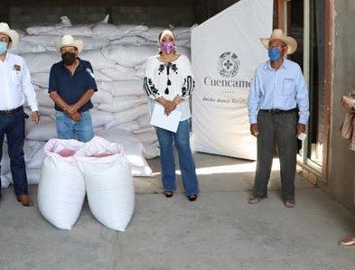 Luly Martínez entrega 35 toneladas de semilla de avena