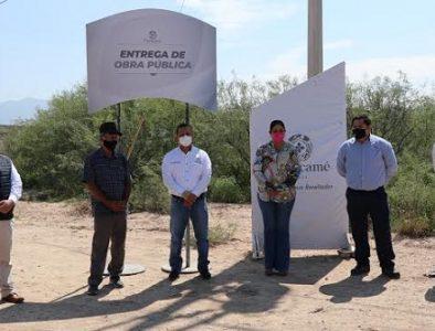Luly Martínez lleva red eléctrica a comunidades de Cuencamé