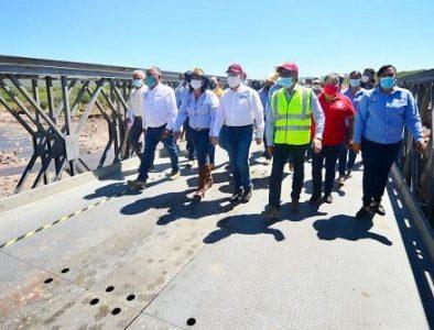 Aispuro y SCT dan inicio a circulación en puente provisional San Antonio