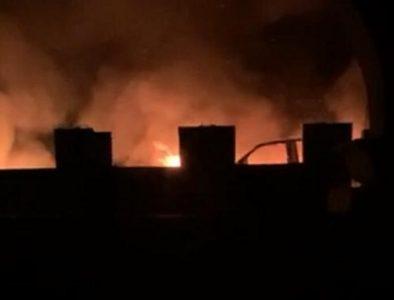 Enfrentamiento armado en Canelas deja dos muertos, casas y vehículos incendiados