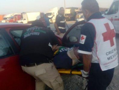 Rescatan a un prensado tras choque en Mapimí
