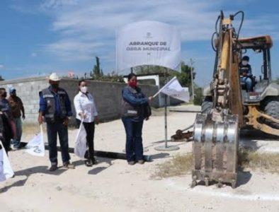Luly Martínez da inicio a la ampliación de red de alcantarillado en Pasaje