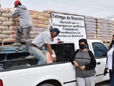 Entrega Peñón Blanco material para construcción subsidiado
