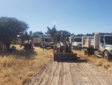 Gobierno de Poanas da mantenimiento a brechas y caminos de la comunidad Francisco Zarco