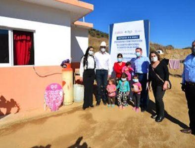 Entrega Gobernador acciones de vivienda y obra social en Tamazula