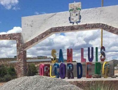 Motociclista muere tras accidentarse en San Luis del Cordero