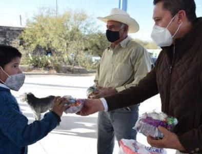 Alcalde de Peñón Blanco encabeza el operativo por Día de Reyes
