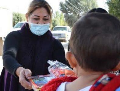 Inicia entrega de juguetes y aguinaldos en Poanas