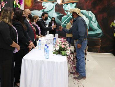 Celebran 'Una Boda Para Todos' en Cuencamé