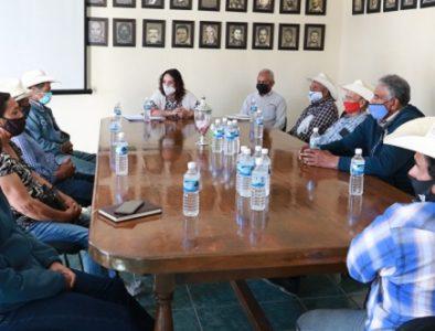 Alcaldesa de Rodeo se reúne con habitantes de la comunidad Buena Vista