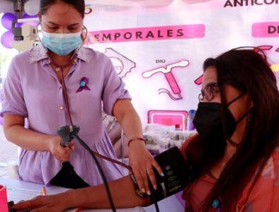 Realizan Feria de la Mujer en Cuencamé