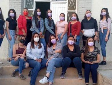 Imparten en Peñón Blanco el taller 'Juntas somos más fuertes'