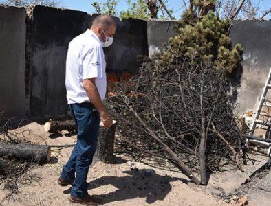 Apoya Gobierno de Poanas a familia afectada por incendio en su domicilio